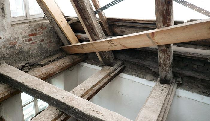 Retzer holzverarbeitung dachstuhl sanierung for Statik balken
